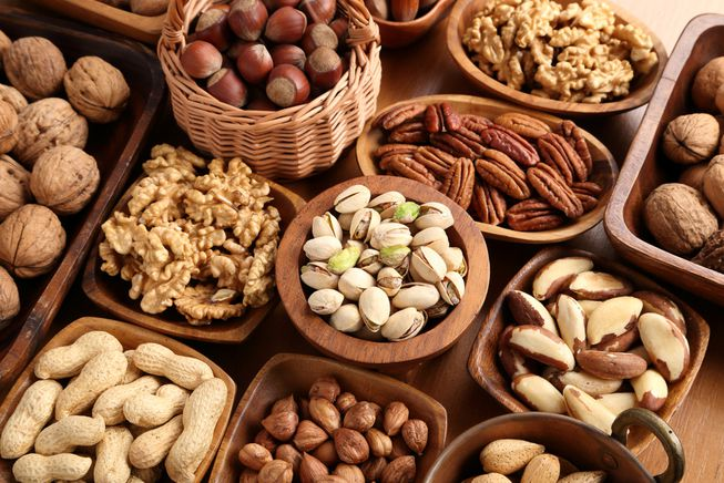5 Healthy Nuts to add to your breakfast